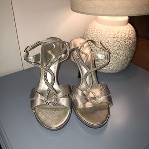Nina silver and crystal heels size 9.5m